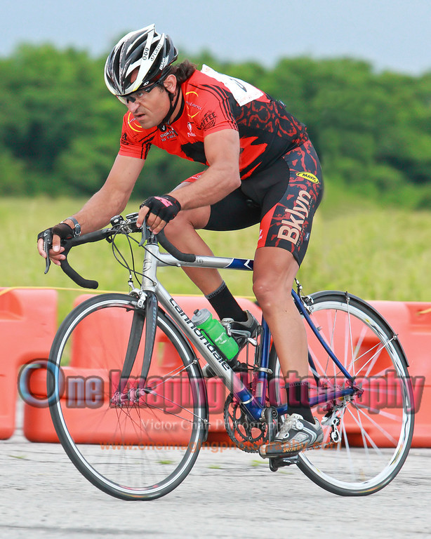 riderontheirrainbike