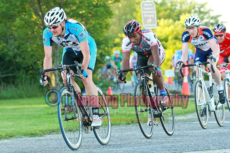 Jon at the front.  Lap 1 turn 3, and heading to the windy turn 4.<br />  Tuesday Night Race at FBF 8/24/11 > Cat 3 and 4