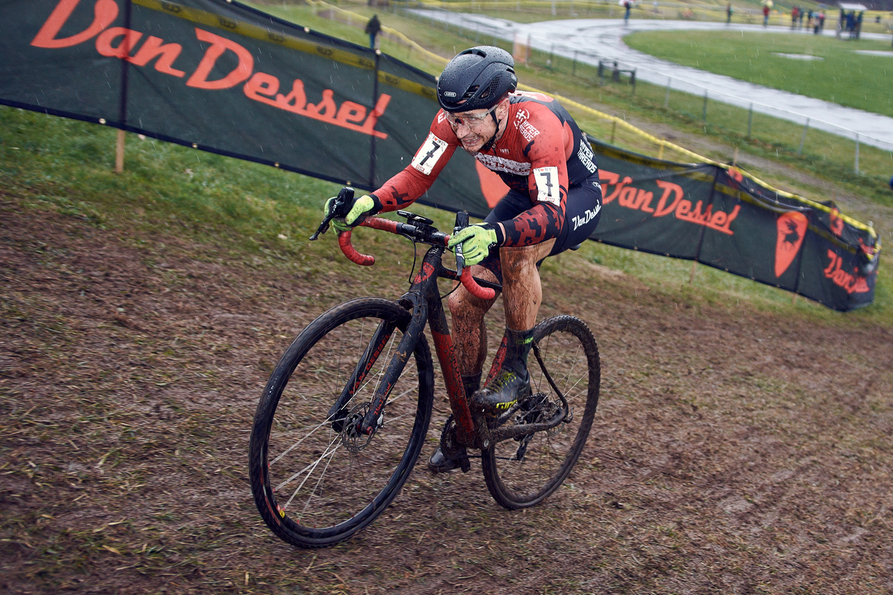 IMAGE: https://photos.smugmug.com/Cycling-Races/Rockland-County-Supercross-Cup-2017-day-1-and-2-1118-1119/Rockland-County-Supercross-Cup-2017-day-1-1118/i-DhvS4zm/0/ba7237fa/O/supercrossday1b_11_18_1529.jpg