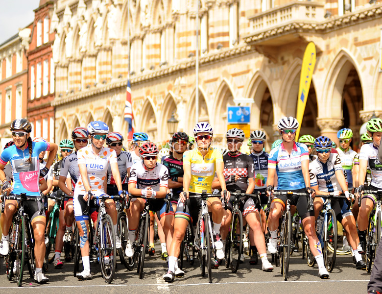 Northampton to Kettering, UK, 19th June 2016. Aviva Women's Tour Stage 5. Race Classification leaders wait at the start line of the final stage of the race. @ David Partridge / Alamy Live News