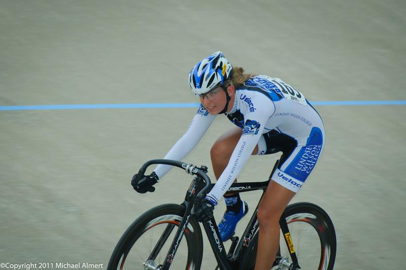 Hannah Hayduk of @LWCAthletics Cycling Team