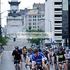 @MayorBallard leads @jdouglas4 and others, racing in the shadow of Monument Circle.  @IndyCrit_2013-4525