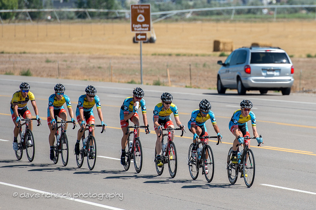 team smartstop lined up and protecting the yellow jersey leader