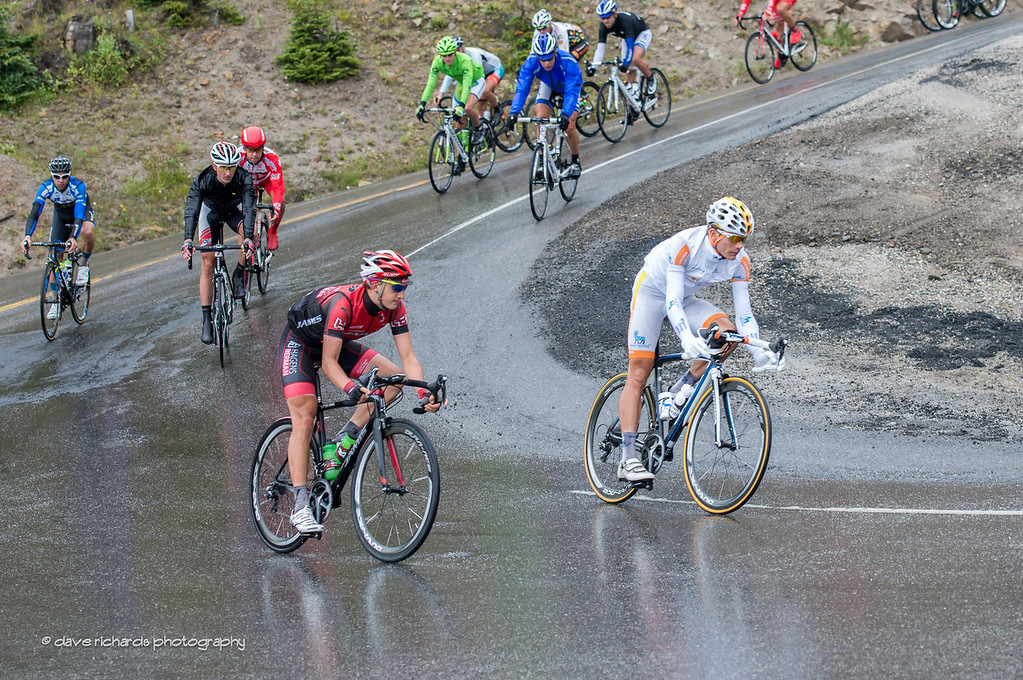 the fractured peloton descending Hoosier Pass in the rain, Stage 5, 2014 USA Pro Challenge