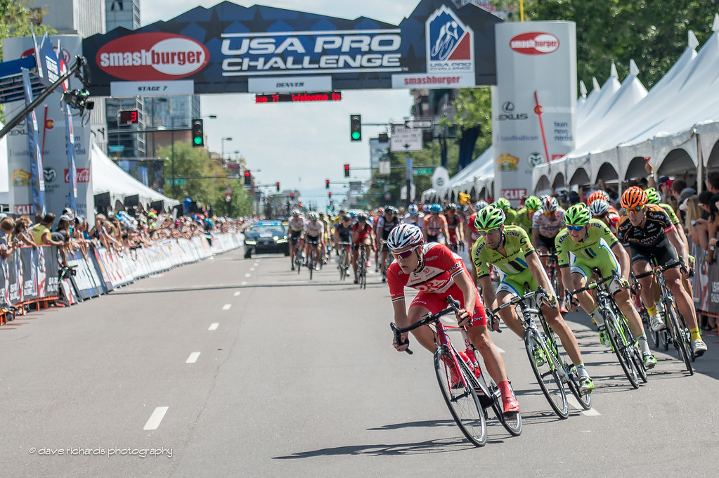 the peloton sweeps through downtown Denver, Stage 7, 2014 USA Pro Challenge