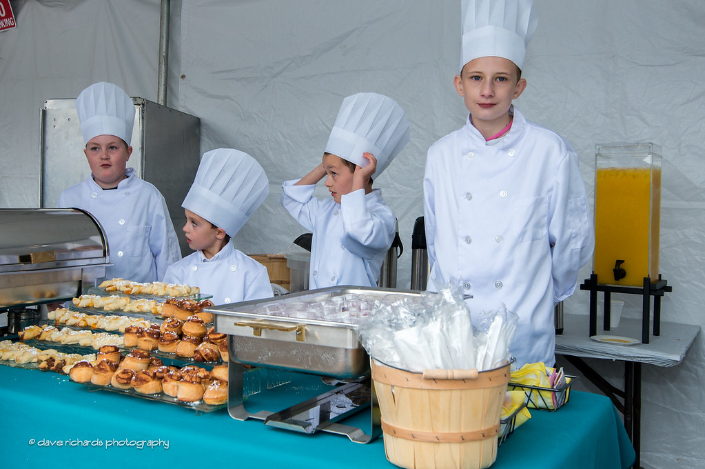 photogs treated to fresh pastries by junior chefs, Stage 5, 2014 USA Pro Challenge