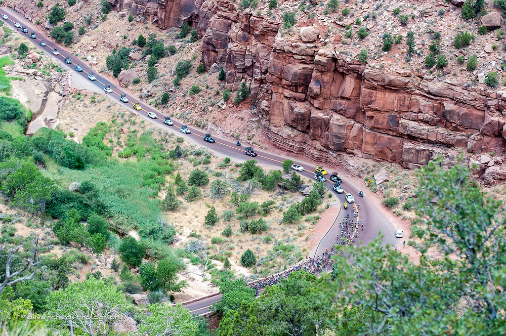 The caravan climbs up through the redrock formations of Zion National  Park, Stage 1, 2016 Tour of Utah