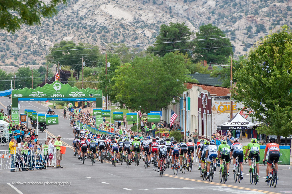 the peloton rolls out from Escalante, Utah for the start of Stage 2 2016 Tour of Utah