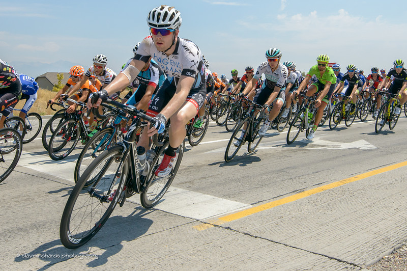riders are in tight formation, Stage 4, 2016 Tour of Utah
