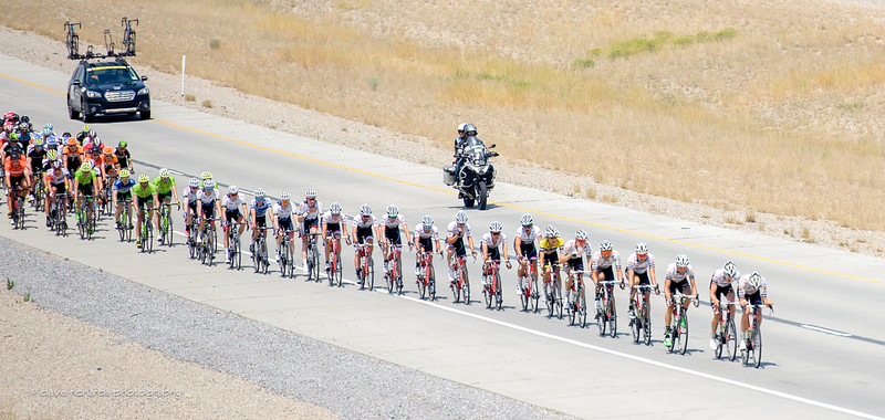 echelon forming in the wind during Stage 4, 2016 Tour of Utah