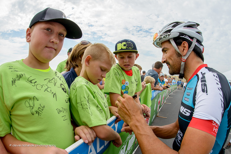 Haedo (Team Jamis) signs a young fan's t-shirt at the sign-in for Stage 5, 2016 Tour of Utah