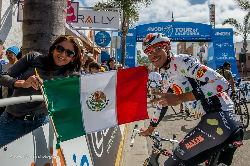 Fan brings out the Mexican flag to greet Ulises Alfredo Castillo Soto (Jelly Belly P/B Maxxis) Men's Stage 3, 2017 Amgen Tour of California (Photo by Dave Richards, daverphoto.com)