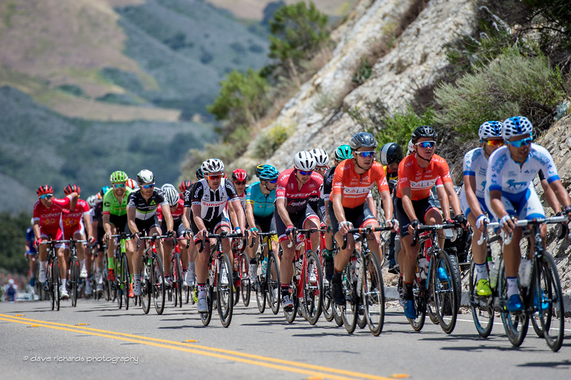 Grupo compacto .Men's Stage 3, 2017 Amgen Tour of California (Photo by Dave Richards, daverphoto.com)