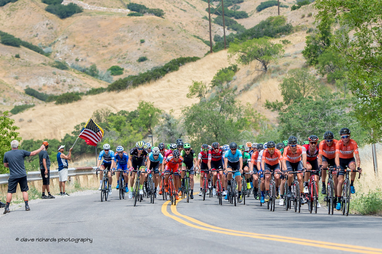 The peloton approaches kilometer 0 for the start of Stage 7, Salt Lake City Circuit Race,  2017 LHM Tour of Utah (Photo by Dave Richards, daverphoto.com)