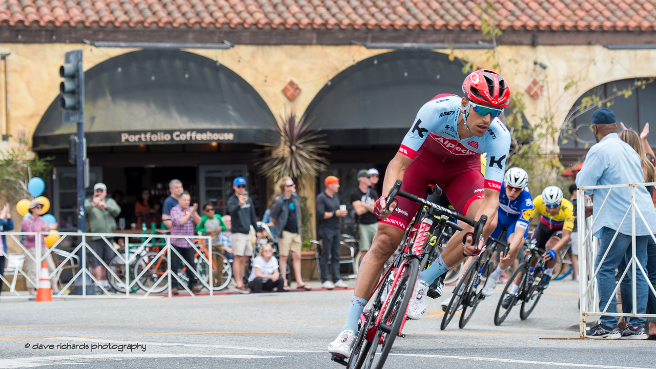 Tight lines on a tight corner. Men's Stage One in Long Beach, 2018 Amgen Tour of California cycling race (Photo by Dave Richards, daverphoto.com)
