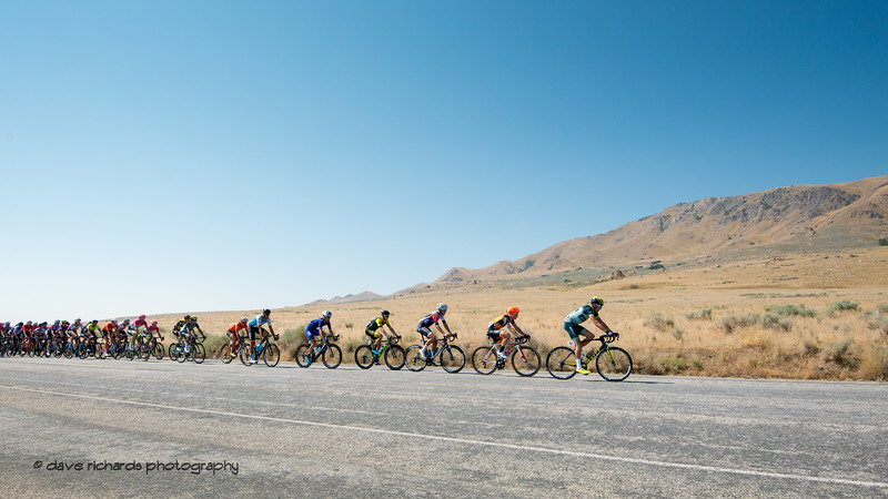 The peloton rolls out on Antelope Island, Stage 3 Antelope Island to Layton, 2018 LHM Tour of Utah cycling race (Photo by Dave Richards, daverphoto.com)