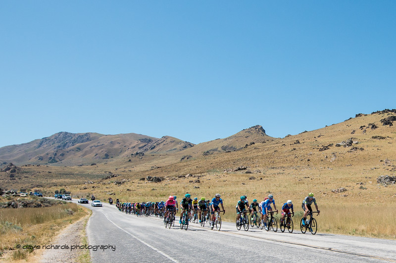 The pace starts to pick up as the riders  stretch out along Antelope Island. Stage 3 - Antelope Island State Park to North Salt Lake City, 2019 LHM Tour of Utah (Photo by Dave Richards, daverphoto.com)