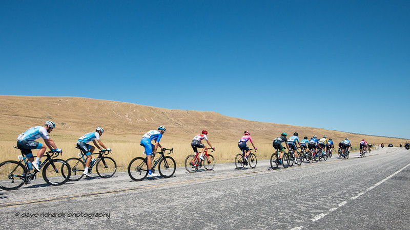 And they're gone! Stage 3 - Antelope Island State Park to North Salt Lake City, 2019 LHM Tour of Utah (Photo by Dave Richards, daverphoto.com)