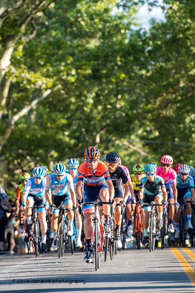 The peloton climbs up State Street. Stage 4 - Salt Lake City Circuit Race, 2019 LHM Tour of Utah (Photo by Dave Richards, daverphoto.com)