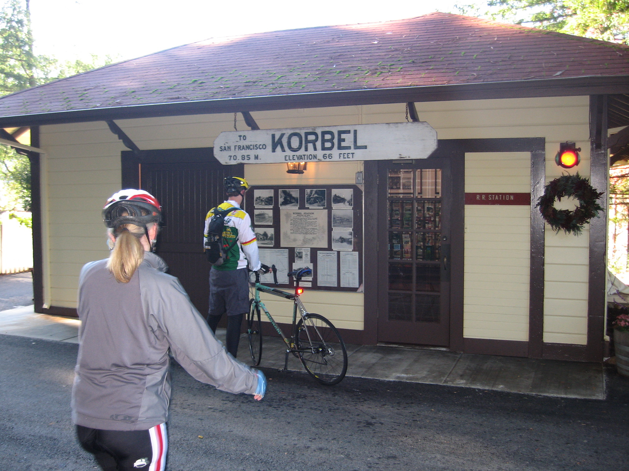 Stop #1.  Korbel.  The tour schedule didn't work out with ours, so we kept on going on.