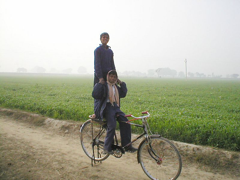 """Indian quality bicycle, weighs """"only"""" 35kg and take a real load..."""