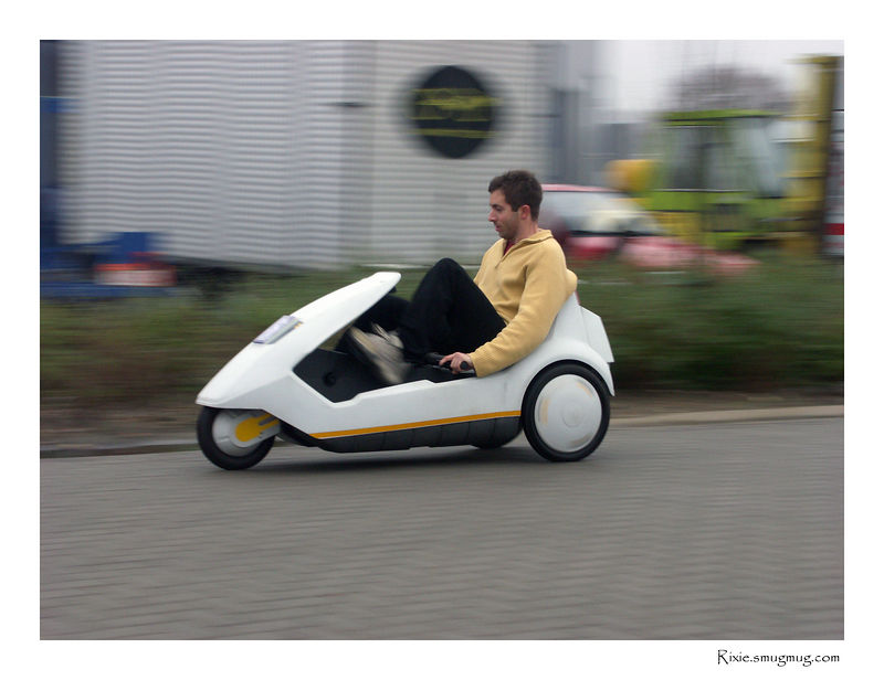 Sinclair C5. Brand new and never used before, we take the legendary C5 for a testride in original configuration. It is quite fun as a toy, as utility it is flawed. For one thing, it is impossible to adjust the distance between seat and pedals! Borrowed from Tim.be
