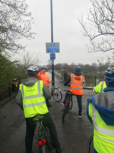 Bridge over River Forth at Cambuskenneth. Phil gives advice to the Practical Cycle Awareness CPC course. A grand day out courtesy of Cycling Scotland