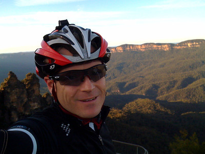 A long weekend away in the blue mountains. Snuck out early for a quick ride to The 3 Sisters. Howling wind, 6 degrees and very cold. Lovely clear morning though!
