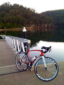 A glorious spring morning for a cycle! What better way to start the week than with a 5am heart-starter to Bobbin Head? - September 2012