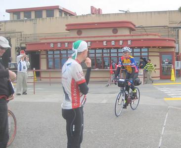 Don watching riders come in  (2009 SFR 600k, photo Brian Chun)