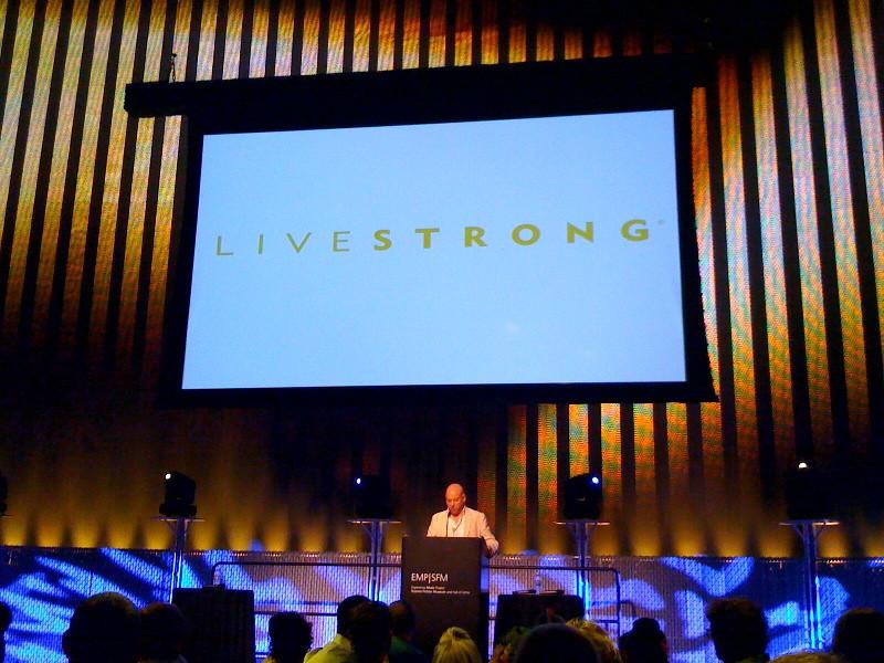Sex and the City star Evan Handler speaking at Livestrong fundraiser appreciation dinner.