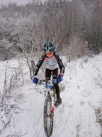 20101218 Sneeuw Canadees Kerkhof
