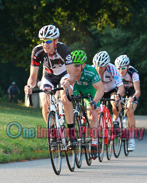 IMAGE: http://www.oneimagingphotography.com/Cycling/LucarelliCastaldiCupRace723/Pro-123/i-mSrRvf8/0/L/8O2T7419-L.jpg