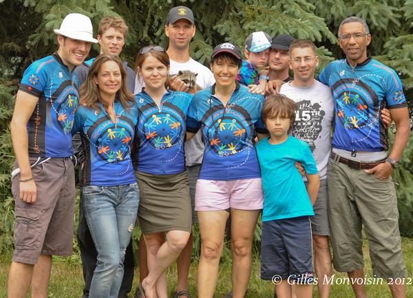 The B4H team - Front row: Mark Cassetta, Kari Ferlatte, Tanya Hanham, Leslie Green (with son Connor)<br /> Back row: Jamie Sprules, Tobin Decou, Mark MacNab (with son Declan), Gilles Monvoisin