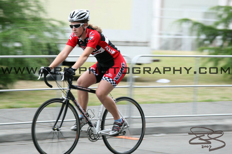 CycleU Street Sprint Bike racing.  Cycling Race photos.