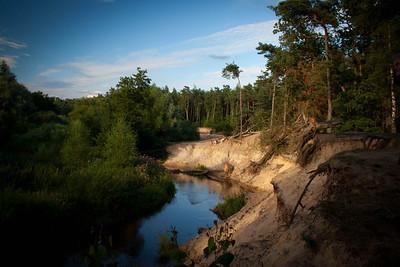 de meanderende Dinkel in de avondzon, vlakbij camping De Kunne (Lutterzand)