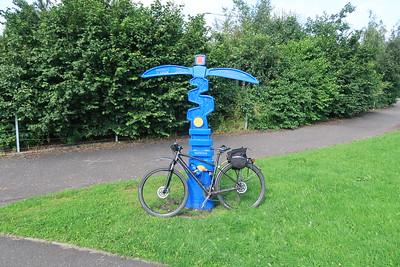 NCN75 milepost in Livingston
