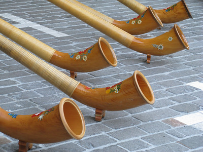 1 August is National Feiertag in Switserland...here come the jodelling and the alphorns