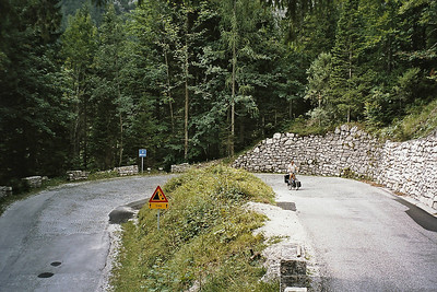 25 hairpin turns up and 25 down, each real hairpin indicated by a sign with the number and altitude