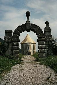 garden of a monastery in Zuzumberk
