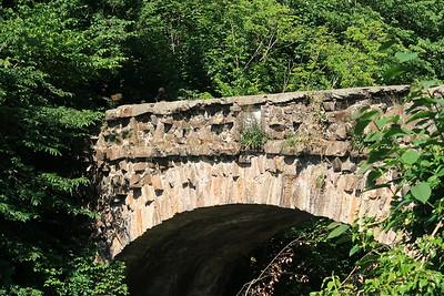 Grotto Bridge over River Almond between Craigiehall and Cammo