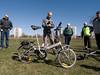 Det här är en vikare såld av Biltema. Riktig billig (typ 1500SEK, här uppgraderad med väskhållaren och bättre växlar, ~4000SEK) och helt ok att cykla på. Tyvärr ingen höjdare att vika ihop, så inte en cykel man använder dagligen med kollektivtrafiken. Se filmen näst<br /> <br /> This is a folding bike as sold by a big Swedish retail store for cars, Biltema. Probably similar bikes are sold in large supermarkets over the world. This one is cheap, although the one on the picture is upgraded with better gears and bike panniers raising the price. It is suprisingly good to ride on. However, it is not very good at folding, so it is unlikely that this kind of folding bike will stimulate usage in combination with for example public transportation. Video is next.