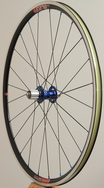 Chris King R45 hubs<br /> Pacenti SL23 rims<br /> Sapim CX-Ray/CX-Speed spokes<br /> blue alloy nipples<br /> Stan's Yellow tape<br /> <br /> 826g