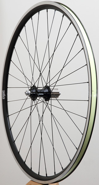 Pacenti SL23 rims<br /> Campagnolo Record hubs<br /> Sapim Laser/Race spokes<br /> alloy nipples