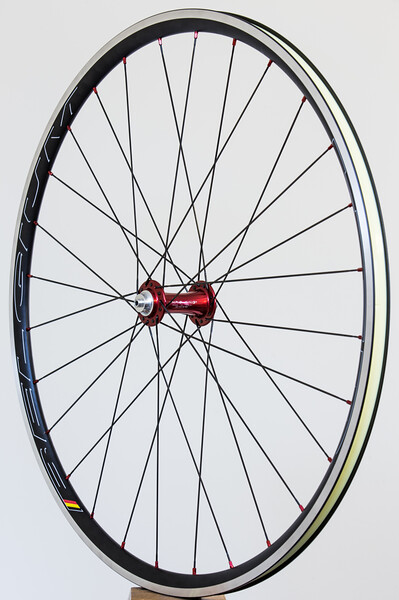 Chris King R45 hubs<br /> Hed Belgium rims<br /> Sapim CX-Ray spokes<br /> alloy nipples