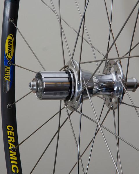 Chris King R45 hub<br /> Mavic Reflex Ceramic rim<br /> Sapim Laser/Race spokes<br /> brass nipples<br /> 28 spoke count