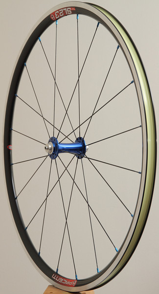 Chris King R45 hubs<br /> Pacenti SL23 rims<br /> Sapim CX-Ray spokes<br /> blue alloy nipples<br /> Stan's Yellow tape<br /> <br /> 664g