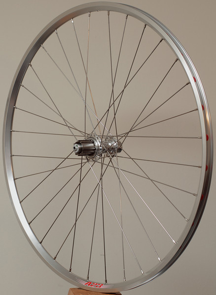 White Industries hubs<br /> velocity A23 rims<br /> Wheelsmith DB14 spokes with Sapim Race for the right, rear<br /> brass nipples<br /> 32 3X