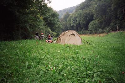 wildkamperen bij de boer tusen Basel en Bern