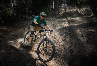 Ross Hewitt riding above Cretaz, Cogne